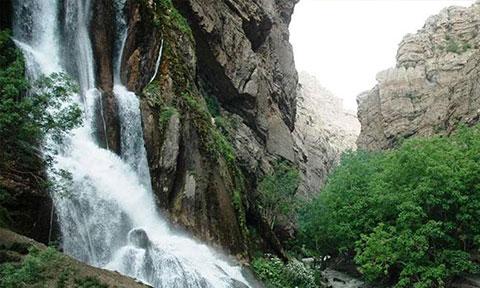 اینفوگرافی: ۴ آبشار مرتفع و شگفت انگیز ایران