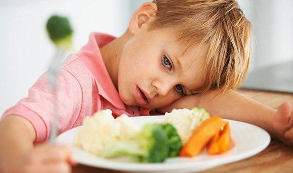 ۵ راهکار درمانی بی اشتهایی کودکان